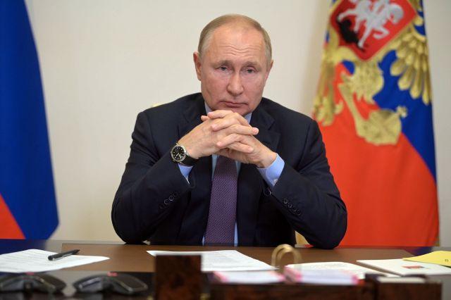 Путин потребовал продолжать не только социальную, но и плановую газификацию