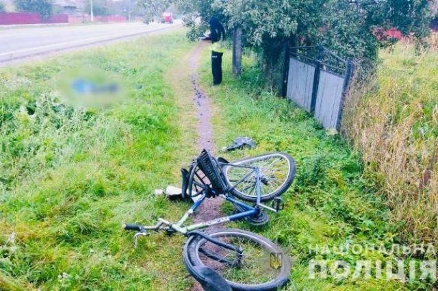 В Ивано-Франковской области водитель сбил насмерть велосипедиста.