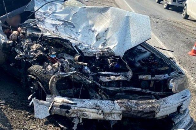 От полученных травм водитель седана скончался на месте происшествия.