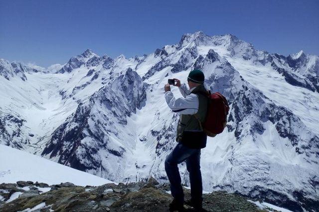 На Домбае из-за схода ледника погибла красноярская туристка