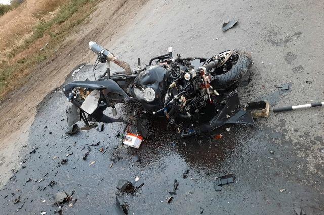 В Исилькульском районе Омской области в результате ДТП погиб мотоциклист