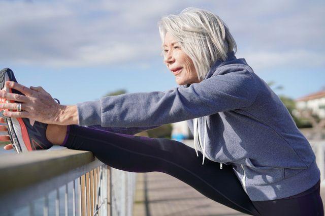 Здоровый образ жизни способен прибавить человеку 10лет жизни.