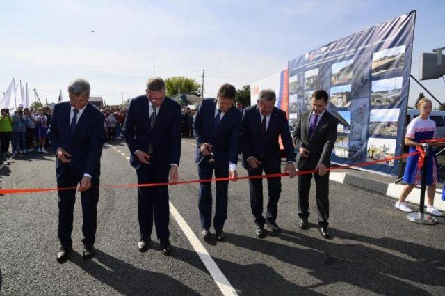 Губернатор Омской области открыл в Калачинске новый мост через Омь