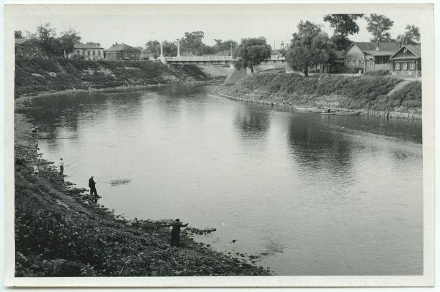 Деревянный Казанский мост через р. Пензу, разрушенного во время боев с чехословацкими легионерами. 1 июня 1918 г.