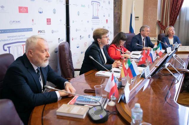 Правовая интеграция. Что обсуждали на юридическом форуме в Москве
