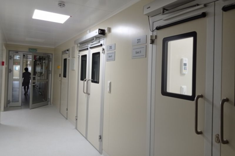 Больница ориентирована на диагностику и лечение пациентов с инфекционными заболеваниями – вирусными гепатитами и другими инфекционными и паразитарными болезнями, нейроинфекциями, с природно-очаговыми заболеваниями, ВИЧ и особо опасными инфекциями.