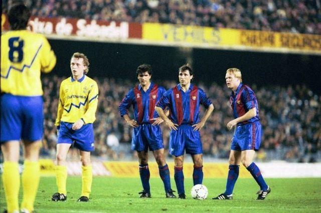 «Динамо» против «Барселоны» в сезоне-1991/1992. Киевляне сразу же начали активно использовать в экипировке сине-желтые цвета.