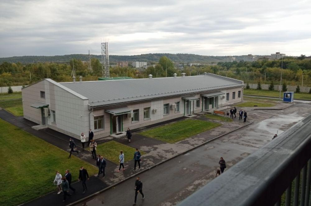 Комплекс инфекционной больницы состоит из 12 зданий общей площадью 27,8 тыс. кв. м.