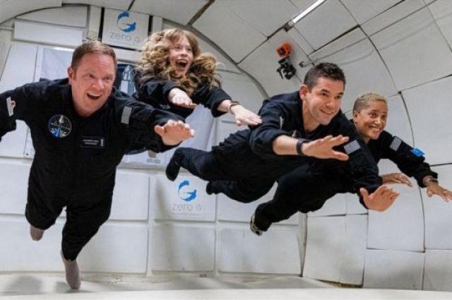 Корабль Crew Dragon с экипажем успешно вышел на орбиту.