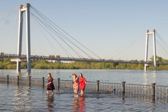 Из-за сброса воды на острове Татышев поврежден водозабор.