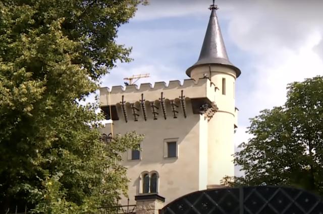 «Какое им дело до нищих?» Как живется рядом с замком Галкина и Пугачевой