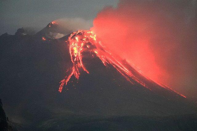 На юго-западе Японии произошло извержение вулкана