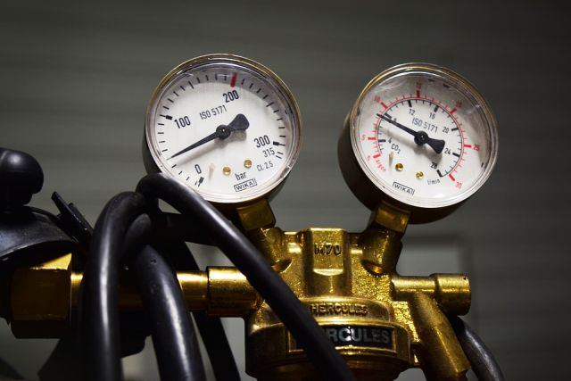 Цена на газ в Европе поднялась выше $800 за одну тыс. куб. м