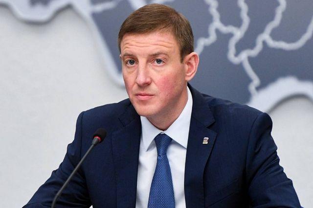Турчак проголосовал на избирательном участке в Петербурге