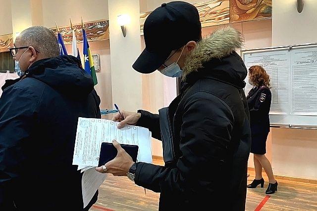 В регионе на 8 участках с утра скопилось большое количество желающих поголосовать.