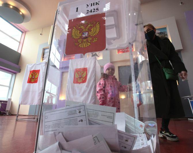 Во время голосования на выборах депутатов Государственной Думы РФ на избирательном участке в Туле