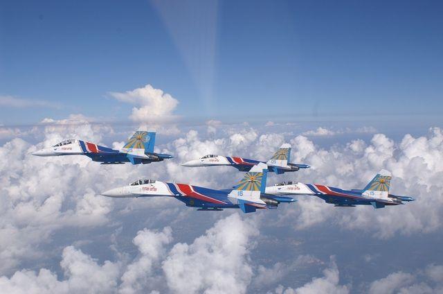 Пилотажная команда единственная в мире выполняет групповой высший пилотаж на самолетах класса «тяжелый истребитель»