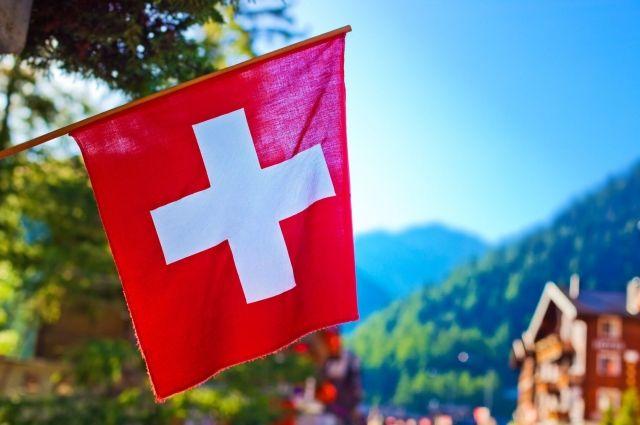Швейцария ужесточает правила въезда для невакцинированных