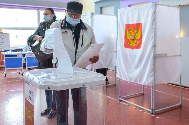 Все происходящее на избирательных участках фиксируется на видеокамеры и контролируется