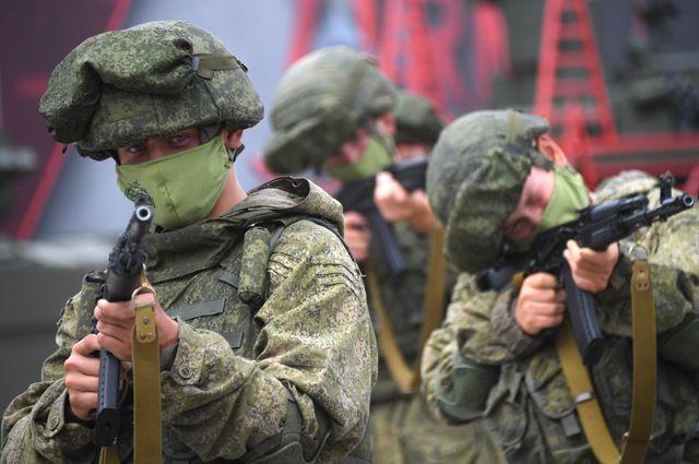 Бойцы Таманской дивизии наМеждународном военно-техническом форуме (МВТФ) «Армия-2020» ввоенно-патриотическом парке «Патриот».