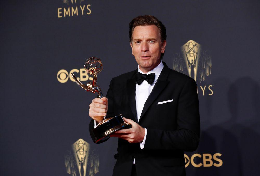 Юэн Макгрегор удостоен приза за лучшую мужскую роль в мини-сериале «Холстон»