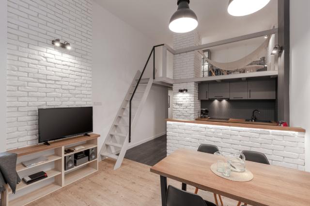 Антресольный этаж в городской квартире: как установить и согласовать