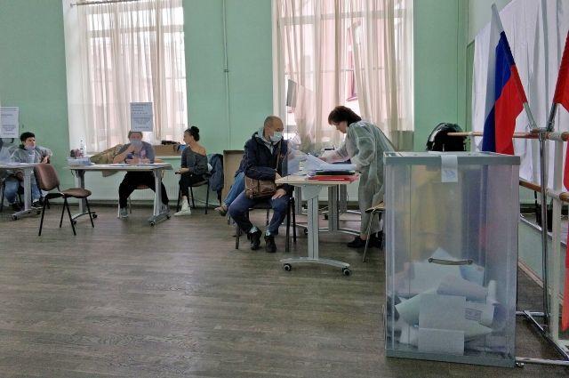 Две трети петербуржцев проигнорировали выборы.