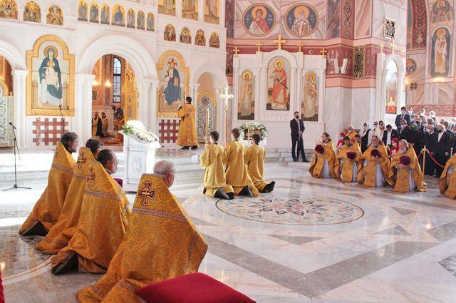 Момент молитвенного освящения нового храма.