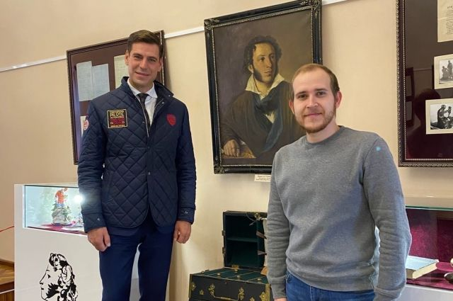Дмитрий Дюжев посетил музей истории Оренбурга.