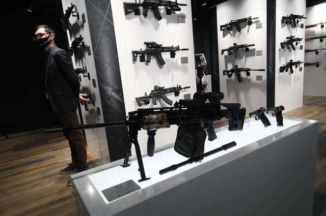 Ручной пулемет РПЛ-20, представленный впавильоне концерна «Калашников» навыставке вооружений Международного военно-технического форума (МВТФ) «Армия-2020» ввоенно-патриотическом парке «Патриот».