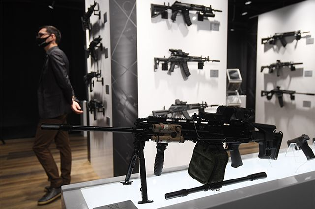 Ручной пулемет РПЛ-20, представленный в павильоне концерна «Калашников».