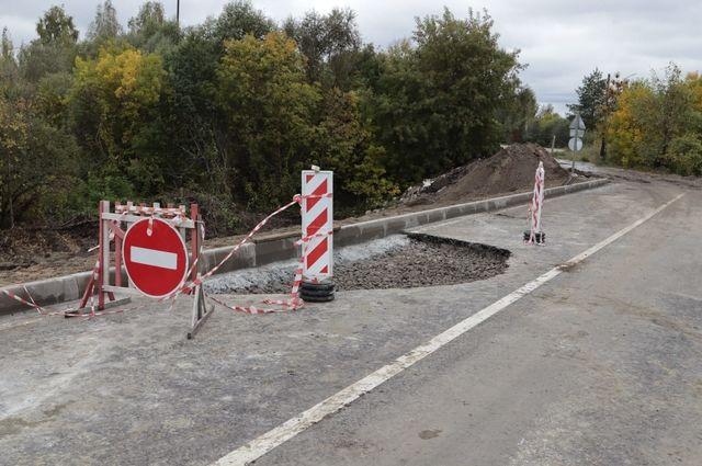 Дорожники ликвидировали провал на съезде с новой магистрали в Брянске