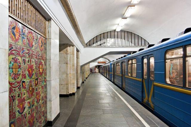 В Киеве завтра могут закрыть три станции метро из-за футбола