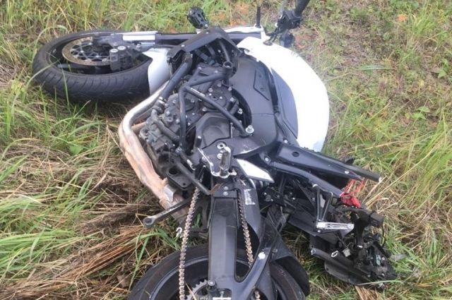 Водитель мотоцикла скончался в аварии на трассе в Игринском районе Удмуртии