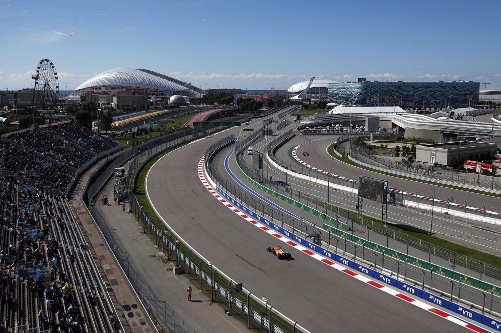 Во время свободного заезда на российском этапе чемпионата мира по кольцевым автогонкам в классе «Формула-1» Гран-при России в Сочи