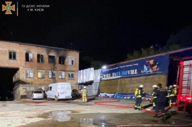Ночью в Киеве горел хостел: есть жертва