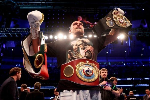 Усик стал чемпионом мира в супертяжелом весе.