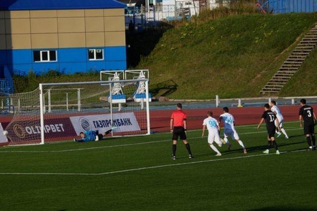 Уже в первом тайме динамовцы забили три безответных гола.