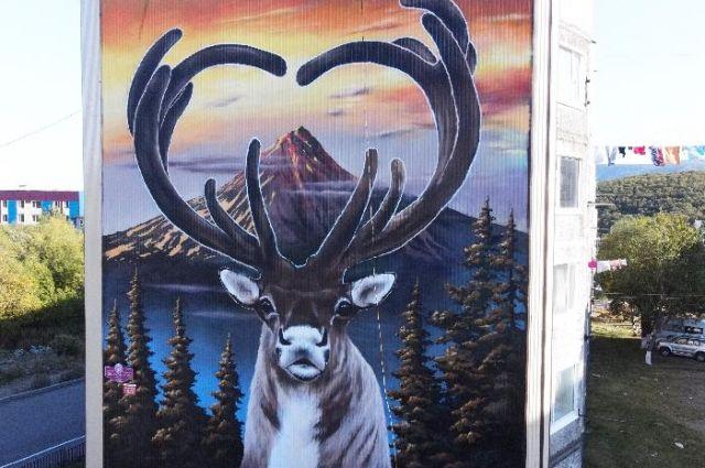 Художник из Пушкина выиграл 100 тысяч за граффити «С любовью к Камчатке»