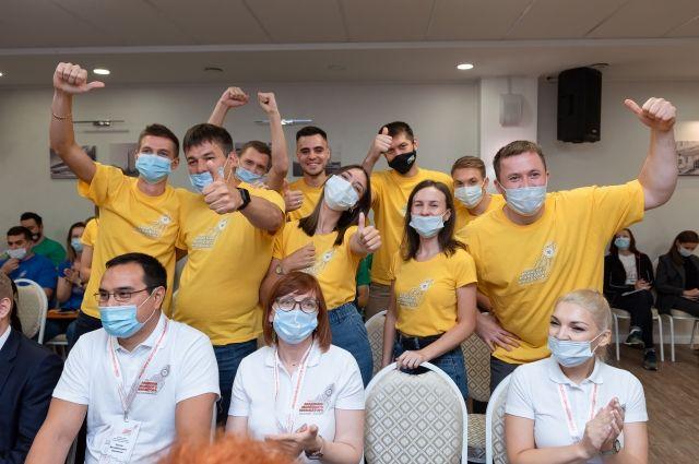 В работе IX выездной сессии в рамках проекта «Академия молодого инноватора» приняли участие талантливые ребята из Москвы, Волгограда, Когалыма, Тюмени и Перми.