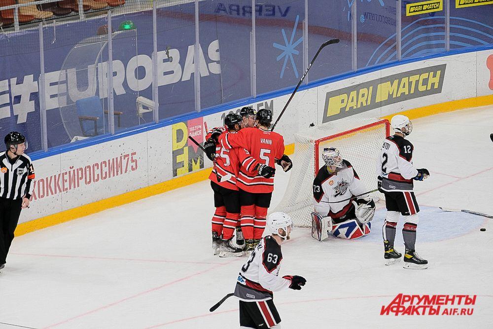 Домашний матч «Молот» - «Рубин» в Перми.