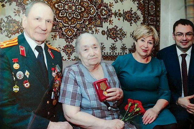 У Миральды Афанасьевой часто бывают гости, и всем она очень рада.