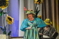 Каждая роль Светлана Романовой - это феерия на сцене и полное единение с залом.