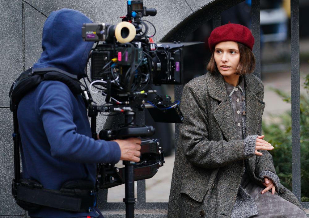 Актриса Любовь Аксёнова во время съёмок исторического фильма «Нюрнберг»