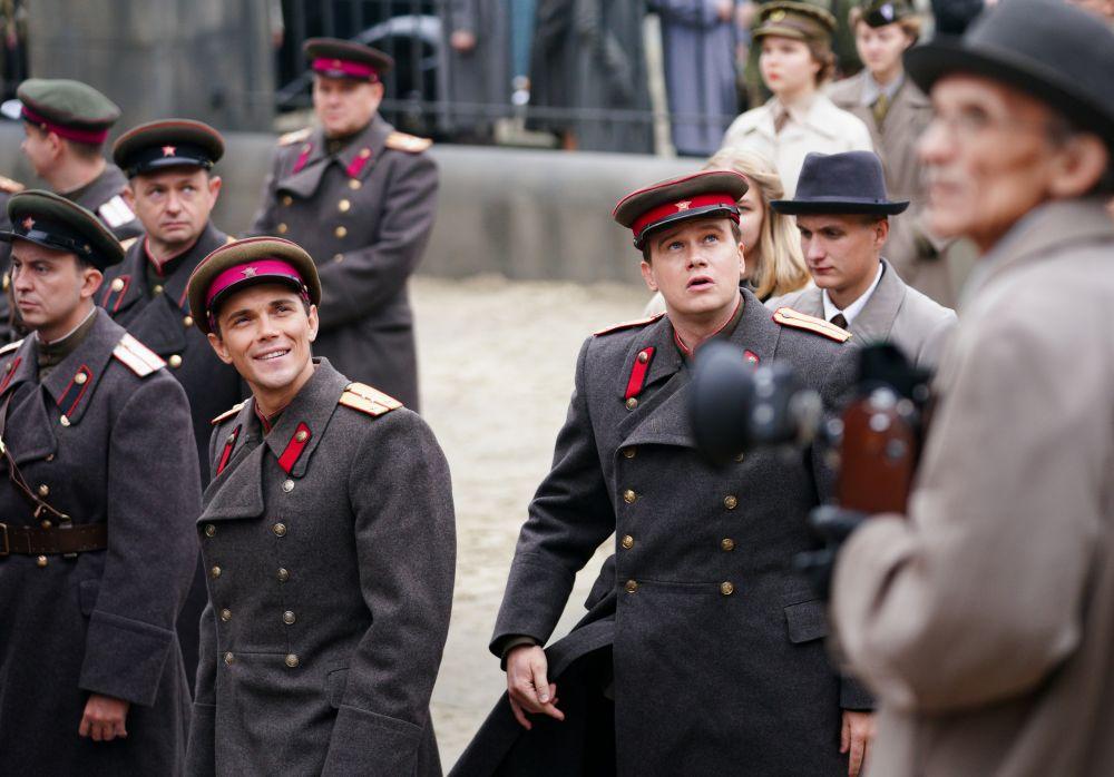Актёры Сергей Кемпо и Алексей Бардуков (справа) во время съёмок исторического фильма «Нюрнберг»