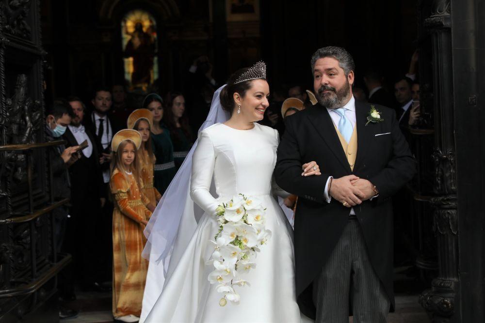 Потомок династии Романовых Георгий Михайлович с гражданкой Италии Ребеккой Беттарини после церемонии венчания в Исаакиевском соборе