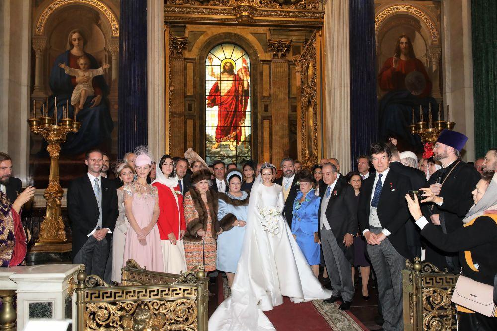 Во время церемонии венчания потомка династии Романовых Георгия Михайловича с гражданкой Италии Ребеккой Беттарини в Исаакиевском соборе
