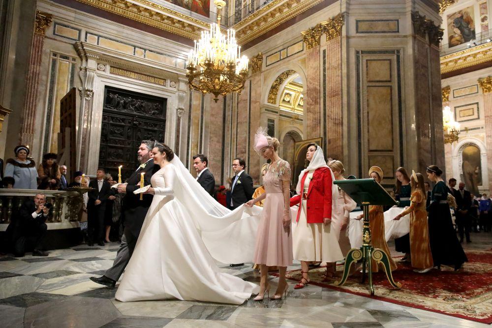 Потомок династии Романовых Георгий Михайлович с гражданкой Италии Ребеккой Беттарини во время церемонии венчания в Исаакиевском соборе