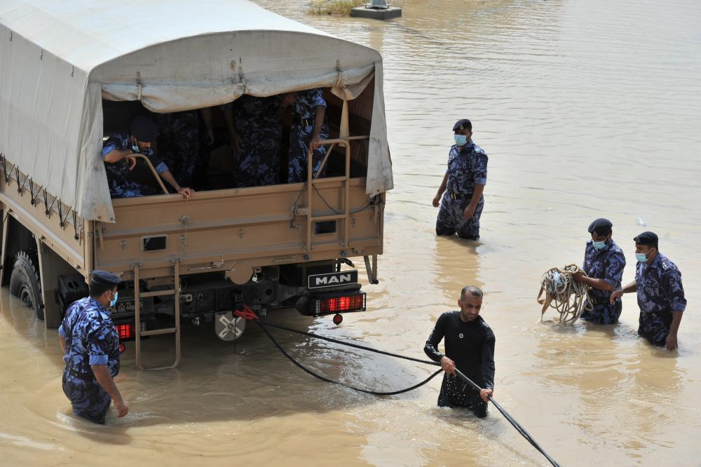 Ликвидация последствий тропического шторма «Шахин» в Омане