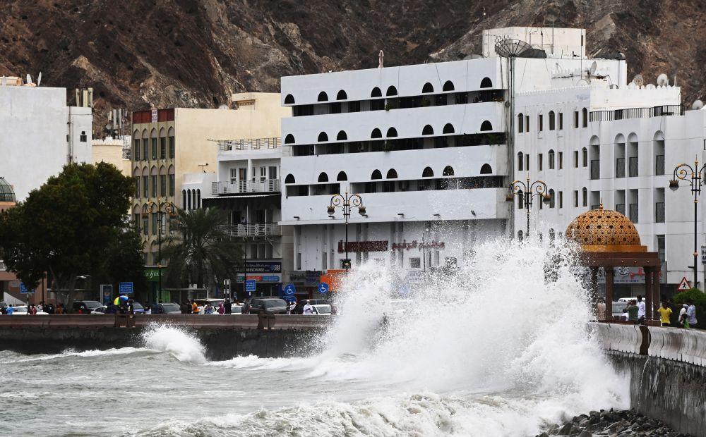 Тропический шторм «Шахин» в Омане